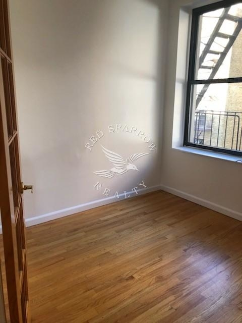 1 Bedroom, Yorkville Rental in NYC for $2,195 - Photo 2