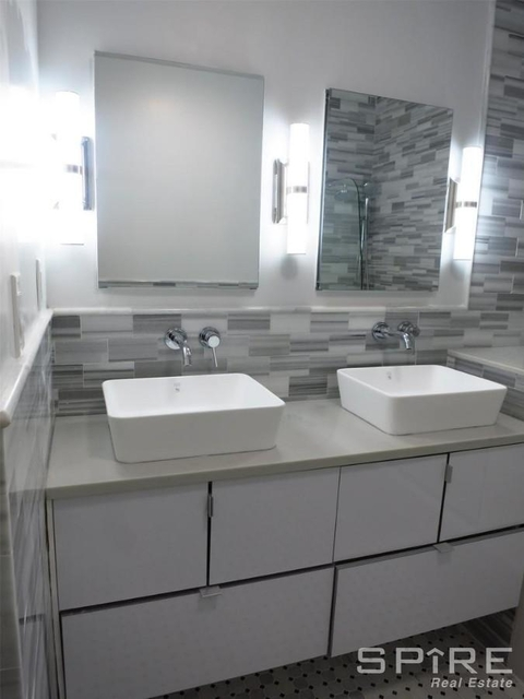 2 Bedrooms, Upper East Side Rental in NYC for $6,300 - Photo 2