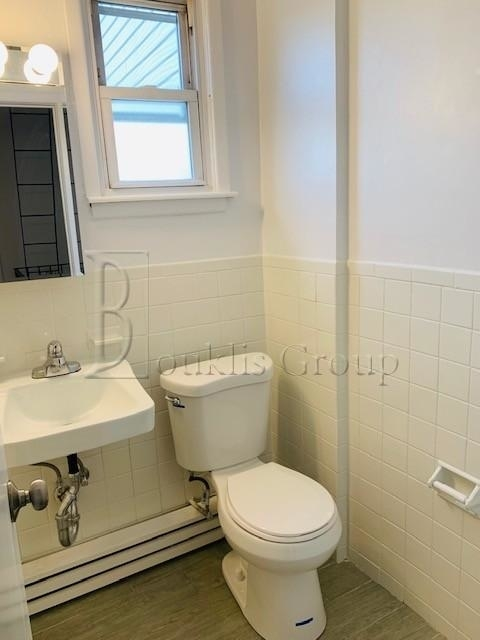 3 Bedrooms, Maspeth Rental in NYC for $2,599 - Photo 2