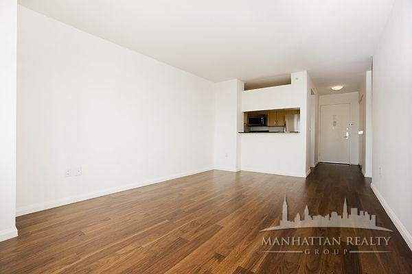 Studio, Hell's Kitchen Rental in NYC for $2,833 - Photo 2