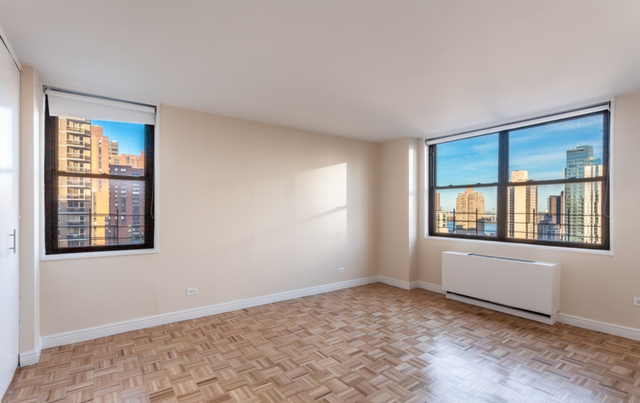3 Bedrooms, Yorkville Rental in NYC for $6,969 - Photo 1