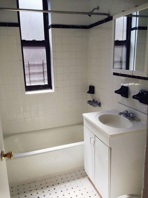 3 Bedrooms, Lower East Side Rental in NYC for $3,870 - Photo 2