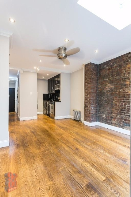 2 Bedrooms, Hell's Kitchen Rental in NYC for $3,687 - Photo 1