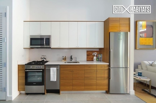 Studio, Long Island City Rental in NYC for $2,625 - Photo 2