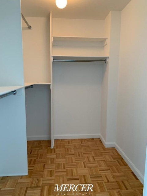 1 Bedroom, Hunters Point Rental in NYC for $3,230 - Photo 2