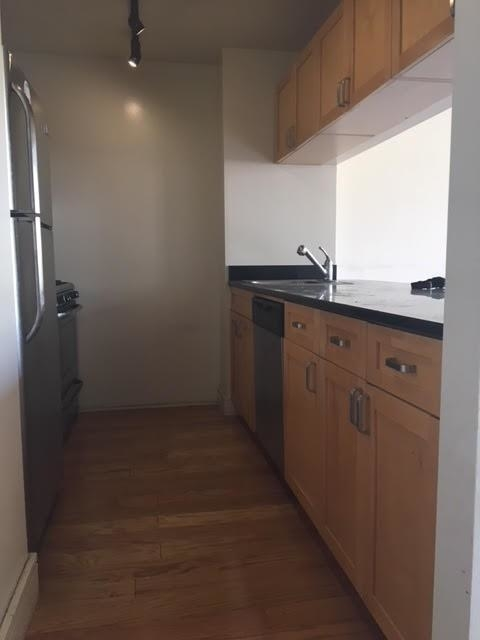 2 Bedrooms, Upper West Side Rental in NYC for $5,900 - Photo 2