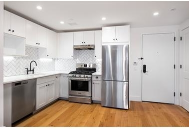 1 Bedroom, East Williamsburg Rental in NYC for $3,392 - Photo 2