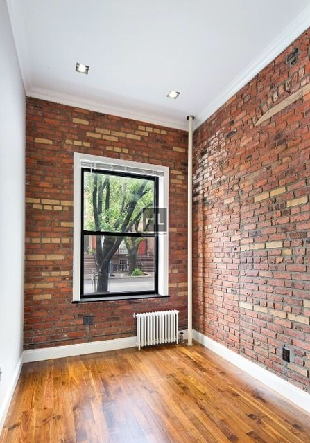 2 Bedrooms, West Village Rental in NYC for $4,290 - Photo 2