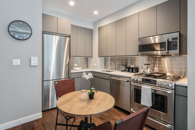 1 Bedroom, Chelsea Rental in NYC for $4,593 - Photo 2