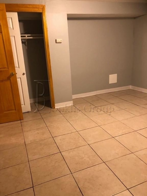 2 Bedrooms, Steinway Rental in NYC for $2,000 - Photo 2