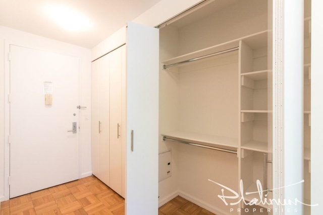 Studio, Hell's Kitchen Rental in NYC for $2,906 - Photo 2