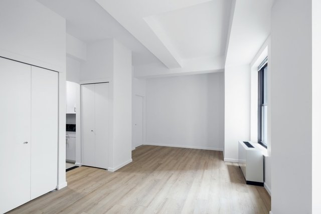 Studio, Financial District Rental in NYC for $2,695 - Photo 2