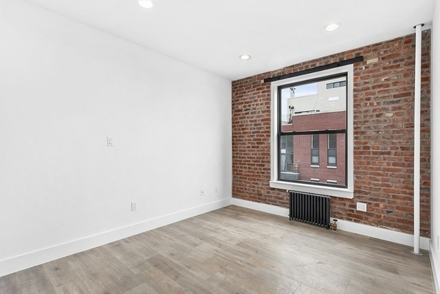 2 Bedrooms, Williamsburg Rental in NYC for $3,995 - Photo 2