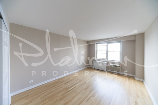 2 Bedrooms, Tribeca Rental in NYC for $5,395 - Photo 2