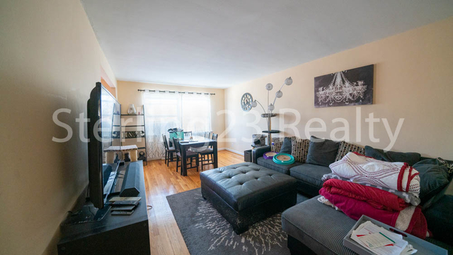 2 Bedrooms, Steinway Rental in NYC for $2,500 - Photo 2