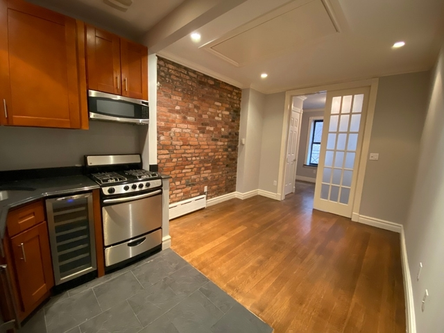 3 Bedrooms, Upper East Side Rental in NYC for $4,487 - Photo 1