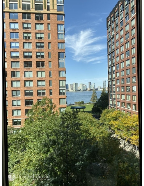 2 Bedrooms, Battery Park City Rental in NYC for $7,595 - Photo 1