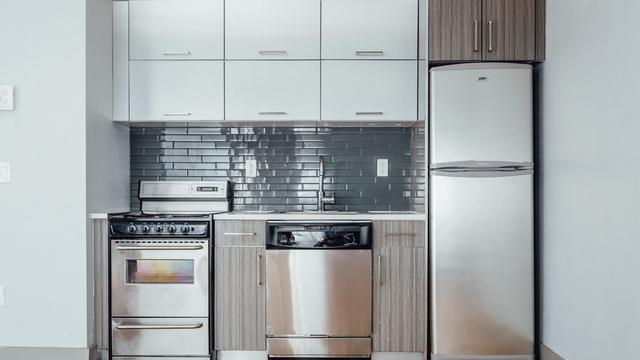 4 Bedrooms, Ridgewood Rental in NYC for $3,300 - Photo 2