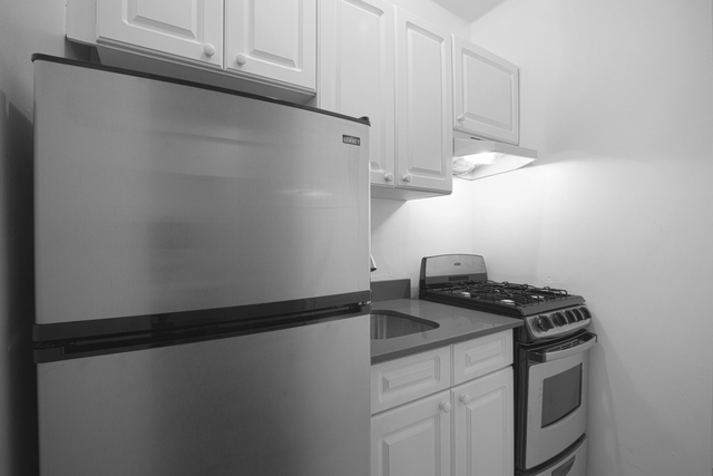 1 Bedroom, Lincoln Square Rental in NYC for $3,375 - Photo 2