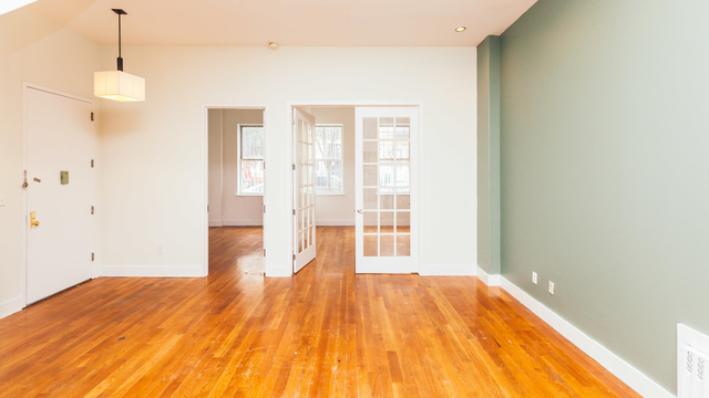 4 Bedrooms, Cooperative Village Rental in NYC for $3,800 - Photo 2