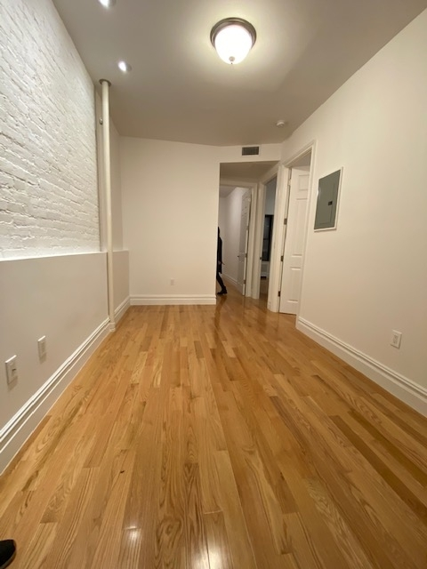 3 Bedrooms, Yorkville Rental in NYC for $4,700 - Photo 1