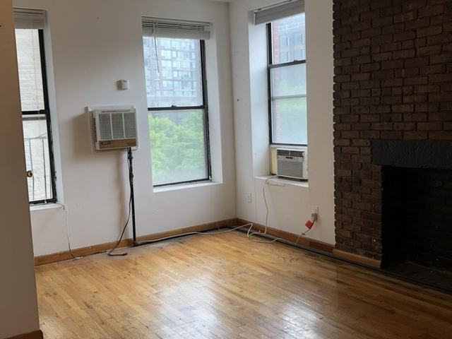 Studio, East Village Rental in NYC for $2,390 - Photo 1