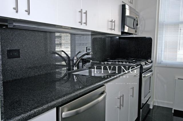 3 Bedrooms, Sutton Place Rental in NYC for $8,245 - Photo 1