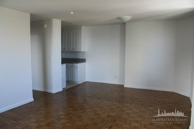3 Bedrooms, Yorkville Rental in NYC for $4,950 - Photo 2