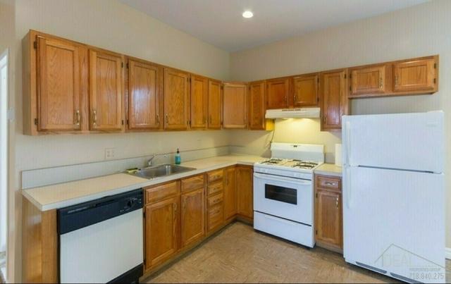 3 Bedrooms, Gowanus Rental in NYC for $3,250 - Photo 2