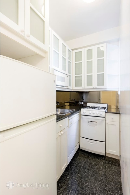 Studio, Lenox Hill Rental in NYC for $3,300 - Photo 2