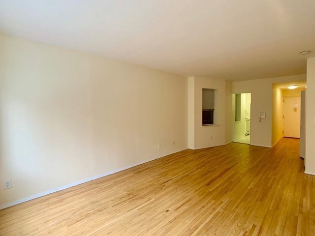 2 Bedrooms, Hell's Kitchen Rental in NYC for $3,595 - Photo 2