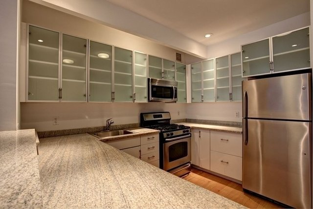 Studio, Financial District Rental in NYC for $3,865 - Photo 2