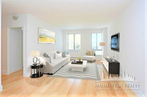 3 Bedrooms, Hell's Kitchen Rental in NYC for $5,535 - Photo 1