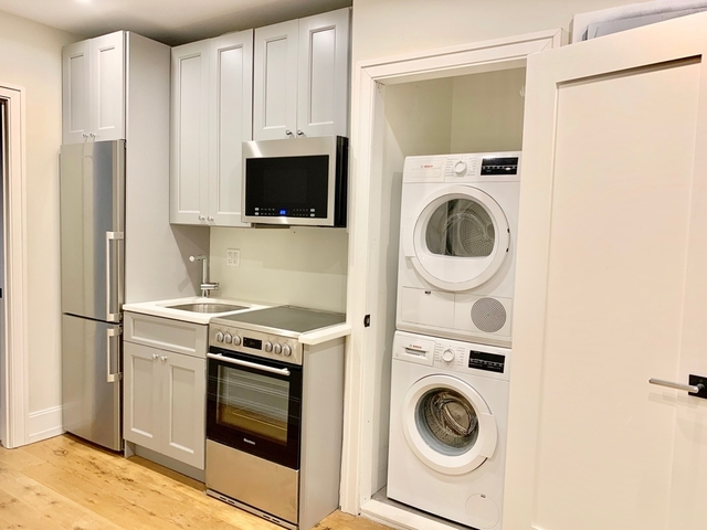 2 Bedrooms, East Village Rental in NYC for $3,499 - Photo 2