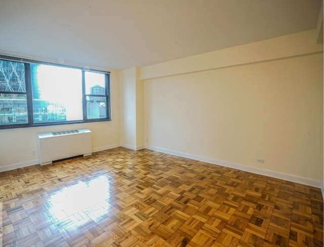 2 Bedrooms, Lincoln Square Rental in NYC for $5,400 - Photo 2
