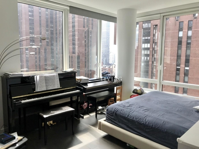 2 Bedrooms, Yorkville Rental in NYC for $7,820 - Photo 2
