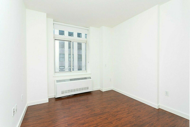 Studio, Financial District Rental in NYC for $3,900 - Photo 2