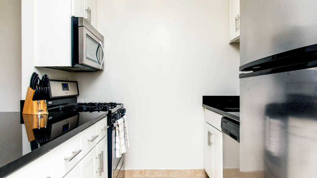 1 Bedroom, Manhattan Valley Rental in NYC for $3,813 - Photo 2