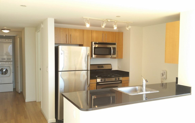 1 Bedroom, Hunters Point Rental in NYC for $3,960 - Photo 2