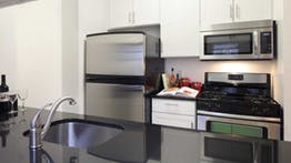1 Bedroom, Financial District Rental in NYC for $3,878 - Photo 2
