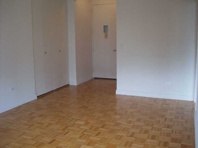 1 Bedroom, Battery Park City Rental in NYC for $3,550 - Photo 2