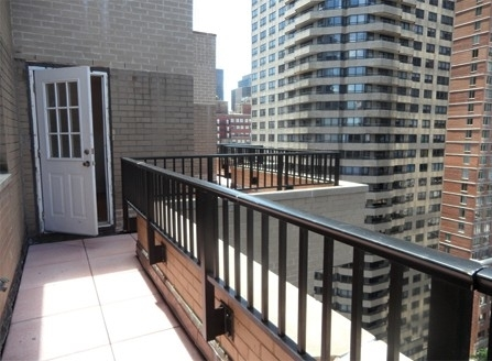 3 Bedrooms, Turtle Bay Rental in NYC for $7,000 - Photo 1