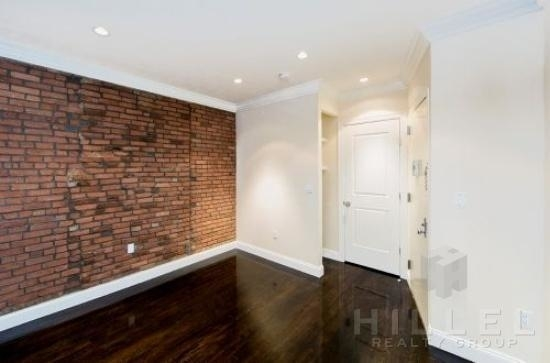 2 Bedrooms, Yorkville Rental in NYC for $3,369 - Photo 2