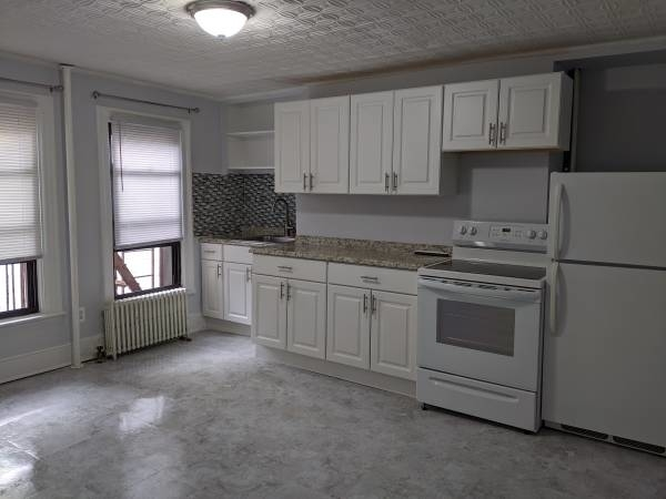 2 Bedrooms, Greenwood Heights Rental in NYC for $2,300 - Photo 2