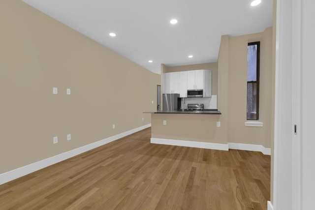 2 Bedrooms, Hell's Kitchen Rental in NYC for $3,395 - Photo 2