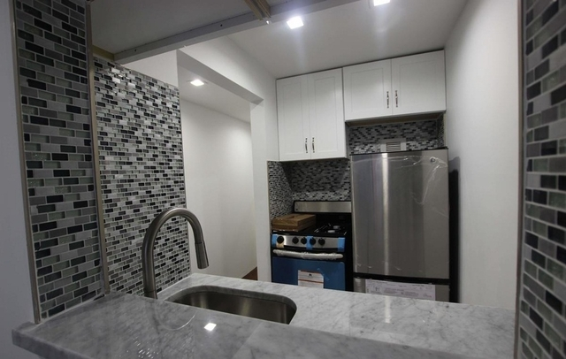 2 Bedrooms, Bowery Rental in NYC for $3,200 - Photo 2