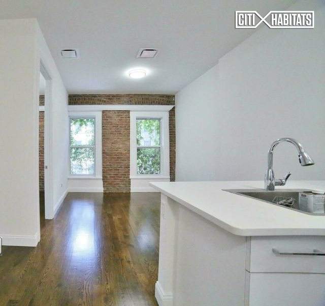 3 Bedrooms, Lenox Hill Rental in NYC for $5,200 - Photo 1