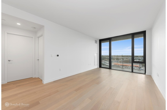 1 Bedroom, Flushing Rental in NYC for $3,200 - Photo 1