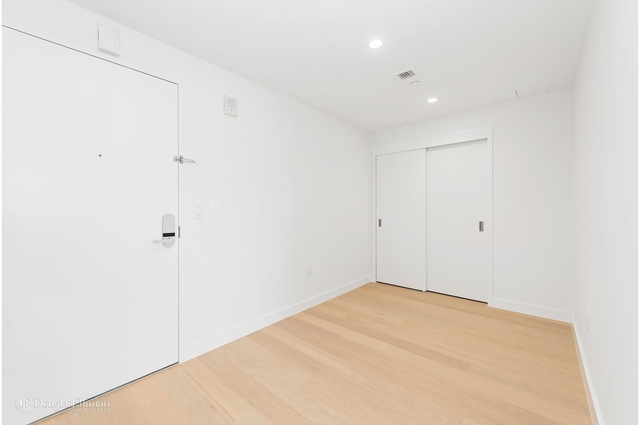 1 Bedroom, Flushing Rental in NYC for $3,200 - Photo 2