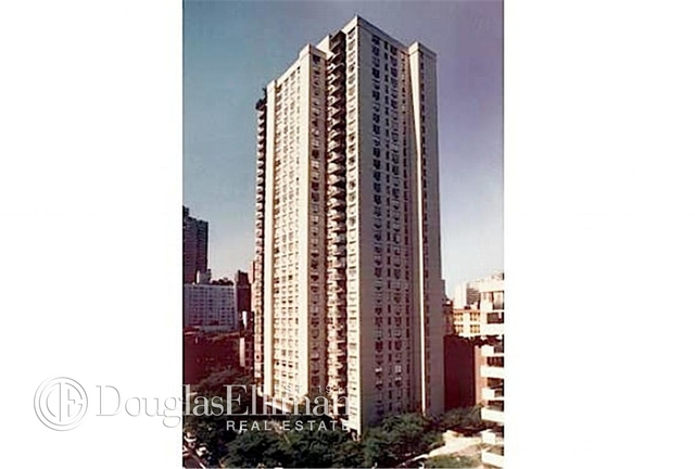 2 Bedrooms, Yorkville Rental in NYC for $6,895 - Photo 2